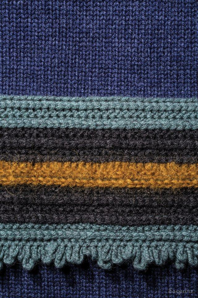 꼬임이 각기 다른 스웨터 가격 미정 꼬르넬리아니.