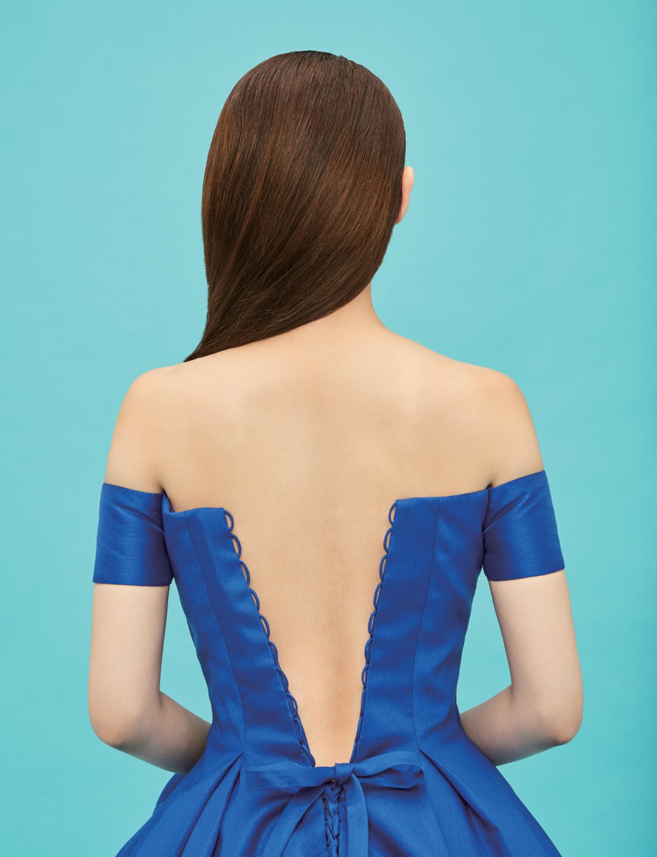 파란색 드레스 <strong>사라 아뜰리에</strong>.
