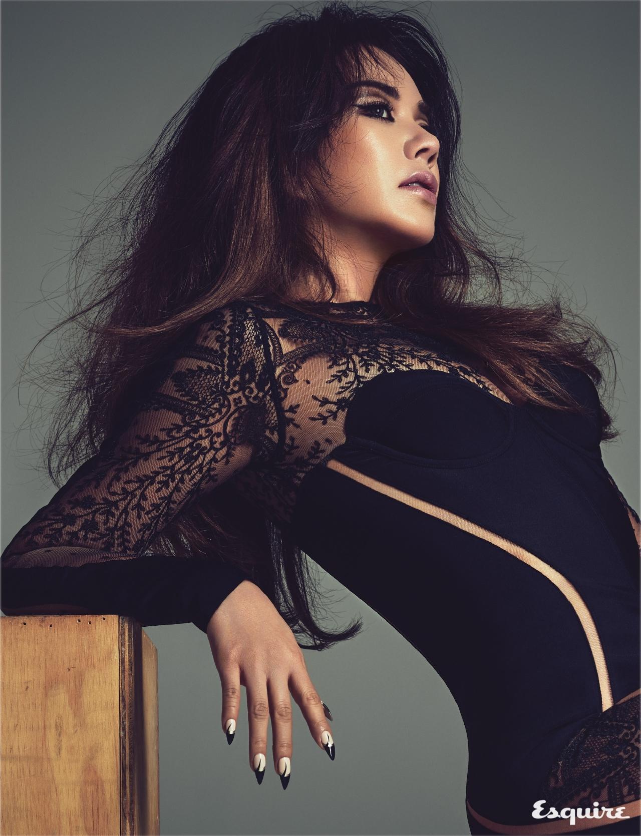 WATCH ME MOVE - 에스콰이어 Esquire Korea 2017년 1월호