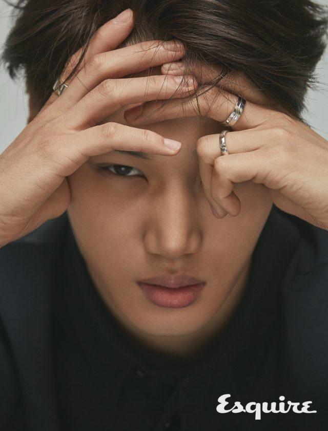 카이, 꼿꼿하게 빛나는 - 에스콰이어 Esquire Korea 2017년 2월호