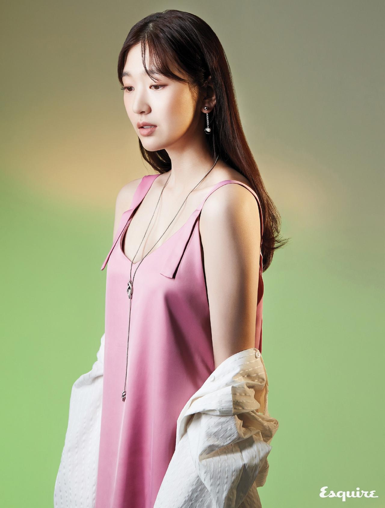 김혜인, 2017'S RAISING STAR - 에스콰이어 Esquire Korea 2017년 2월호