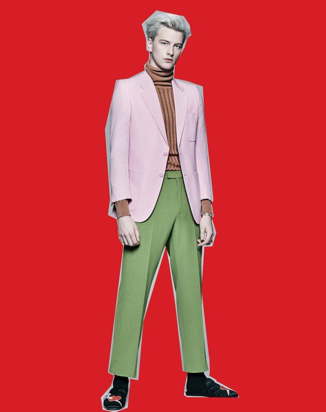분홍색 재킷 275만원, 니트 톱 112만원, 바지 107만원, 하트 무늬 슬리퍼, 뱅글, 링은 모두 가격 미정 구찌.