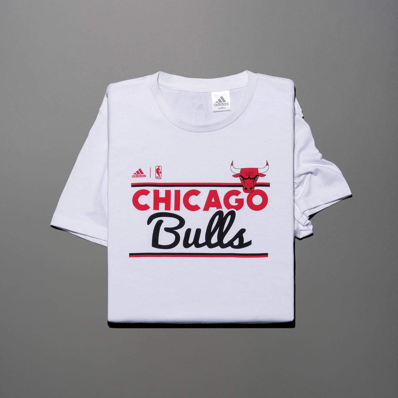 시카고 불스 팀 로고 티셔츠 3만9000원 아디다스.