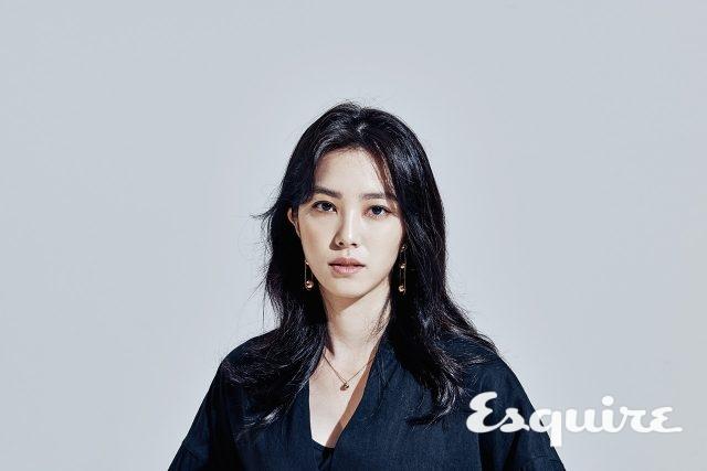 강지영 JTBC 아나운서 - 에스콰이어 코리아