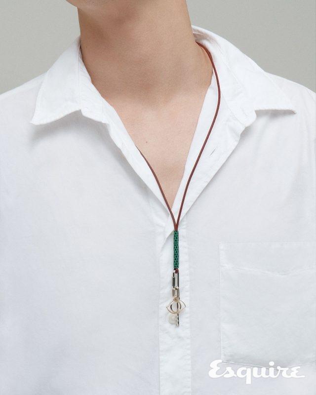 목걸이, 여름 - 에스콰이어