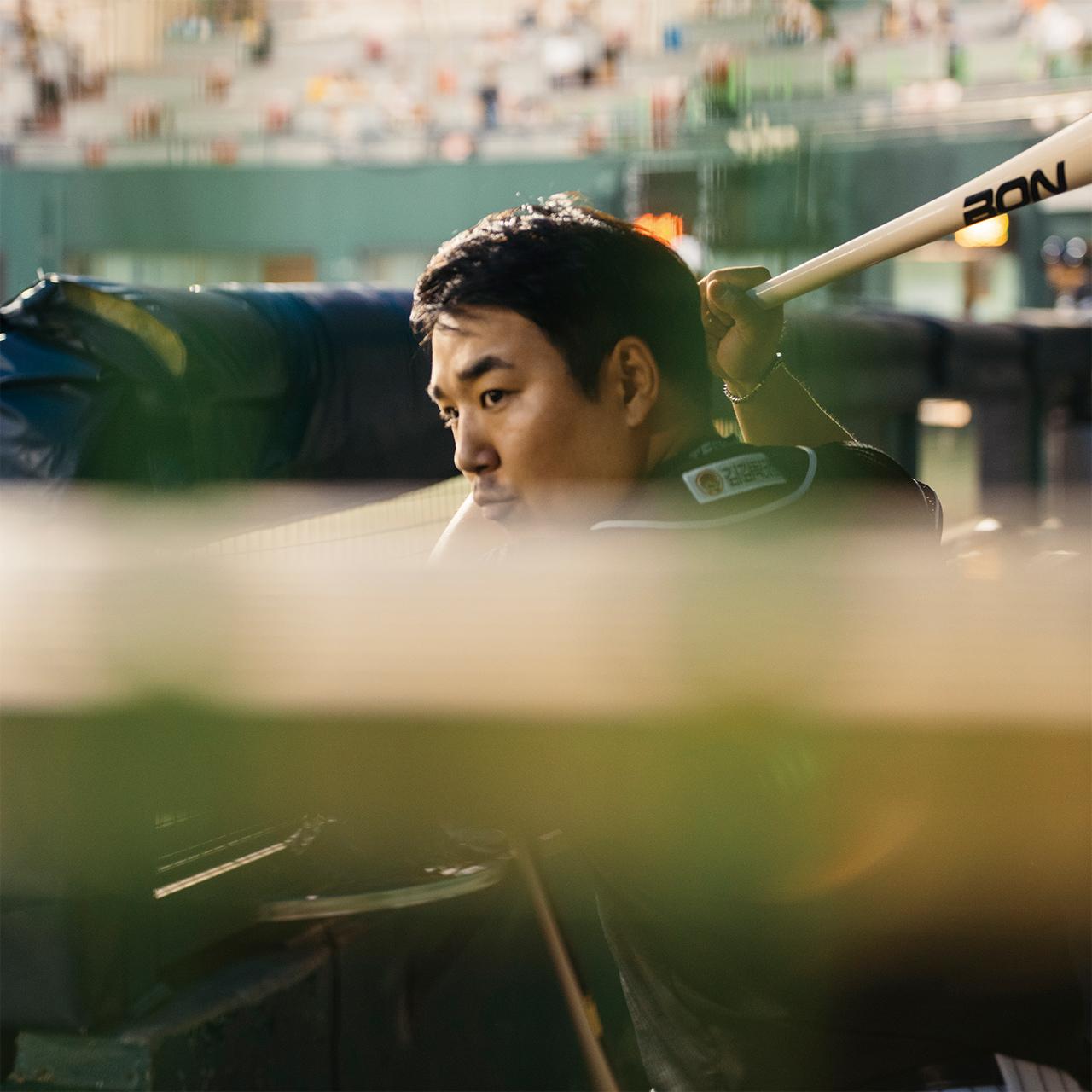 "<strong>장동웅(25번, 1988년생), 포수</strong><br/>""여기 온 이상은... 되든 안 되든 후회 없이 해보고 싶어요."""