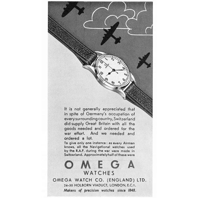 세계 2차대전에 오메가는 약 11만 명에 달하는 영국 국방부 소속 조종사와 항해사에게 시계를 제공했다. 이 비율은 영국에 시계를 지원했던 스위스 시계의 반 이상을 차지한다.