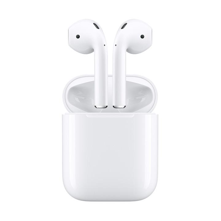 <b>8. Apple Airpod</b> 애플의 에어팟 무선 이어폰은 아이폰, 아이패드, 맥북 등의 기기와 연동되는 이어폰이다. 케이스를 열어 이어폰을 귀에 각각 꽂으면 되니 사용방법도 간단하다. 애플의 W1칩 덕분에 배터리 충전이나 수명(최장 5시간)이 무선으로 호환된다. 음질도 뛰어나며, 애플 유저들에게는 최고의 무선 이어폰으로 추천한다. 20만원대