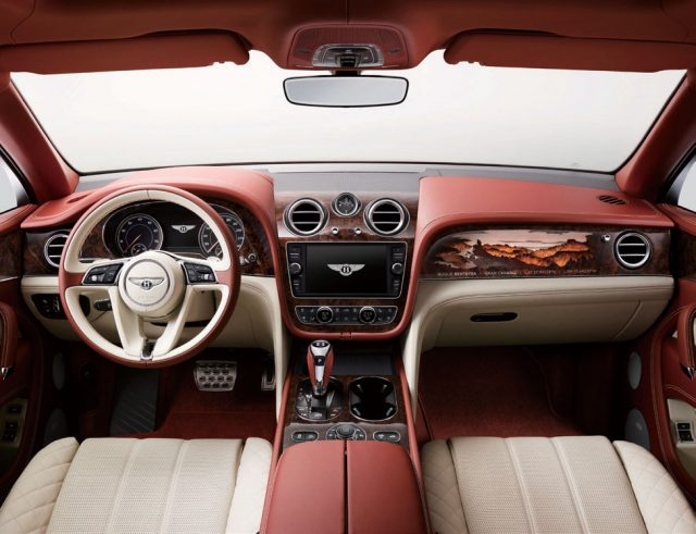 BENTLEY BENTAYGA SUV -에스콰이어