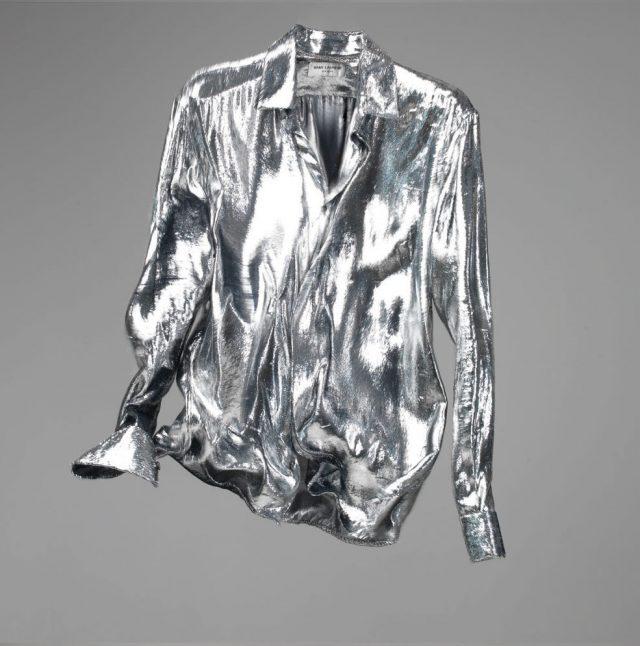 라메 소재 은색 셔츠 가격 미정 생 로랑 by 안토니 바카렐로.