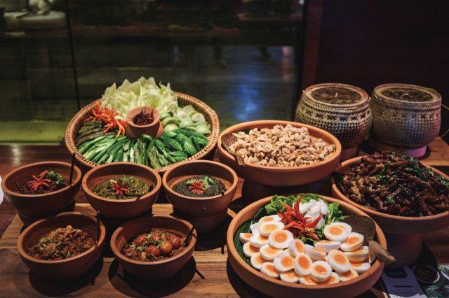 메리어트 마르퀴스 퀸즈파크의 태국 음식은 친절하고 나긋나긋하다.