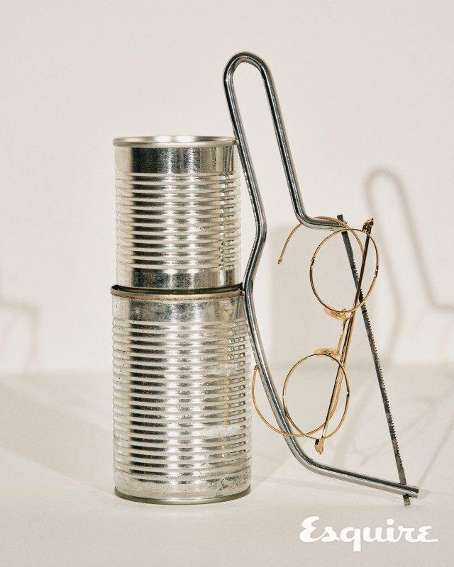 골드 컬러 안경 53만5000원 백산안경.