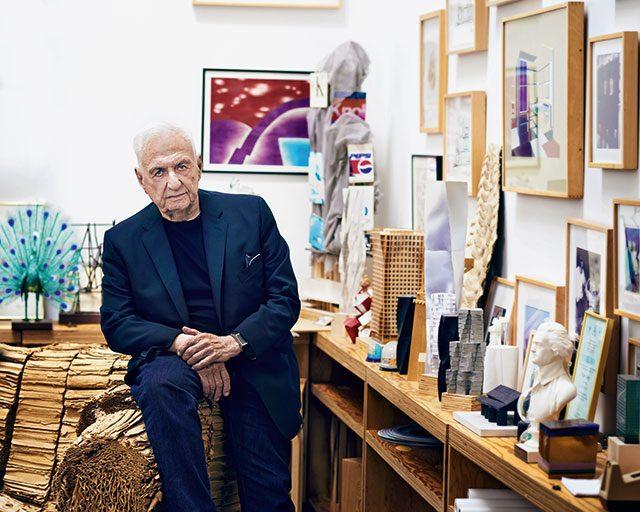 프랭크 게리, 로스앤젤레스의 작업실에서. 건축가, 88세