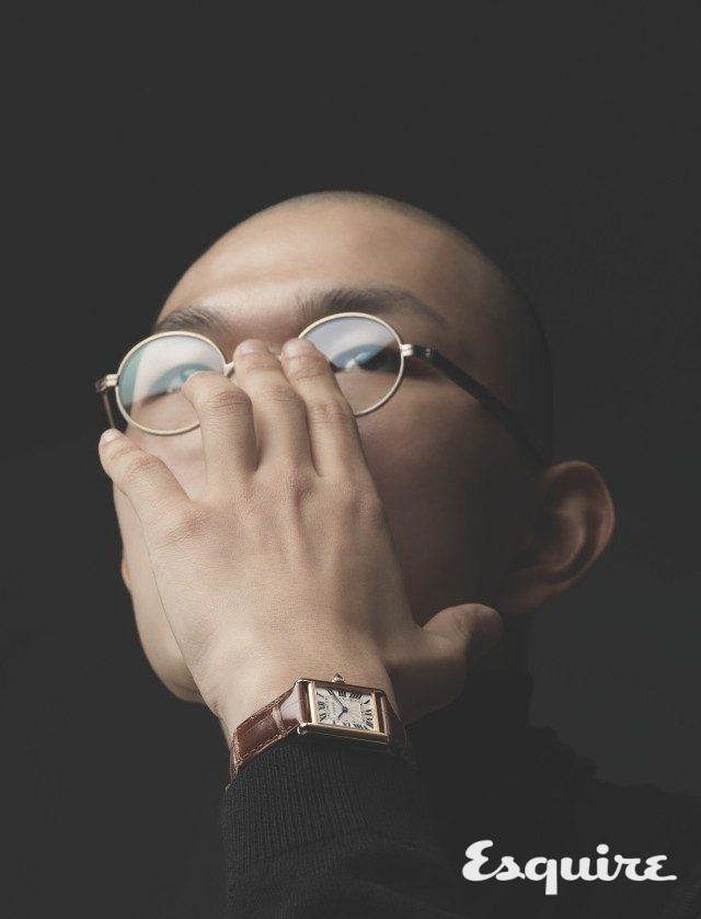 케이스 너비 22mm, 길이 29.5mm, 시·분 표시, 핑크 골드 케이스, 앨리게이터 스트랩, 1210만원. 안경 카메만넨 by 나스월드