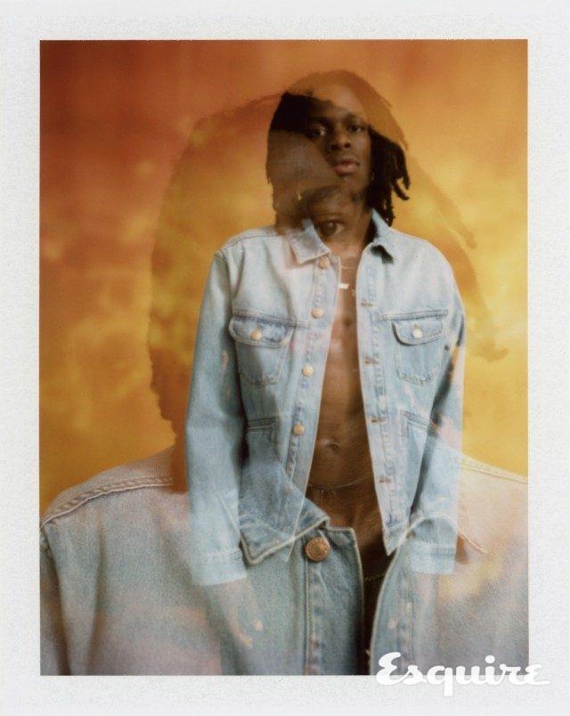 데님 재킷 이자벨마랑 맨. 바지 28만9000원 리바이스. 목걸이 본인 소장품.