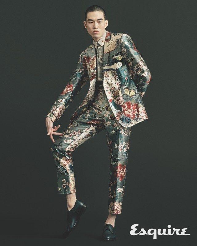 재킷, 셔츠, 바지, 구두 모두 가격 미정 돌체&가바나.