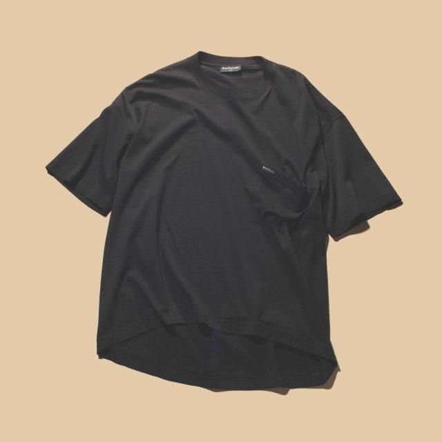 주머니가 늘어난 티셔츠 48만원대 발렌시아가.