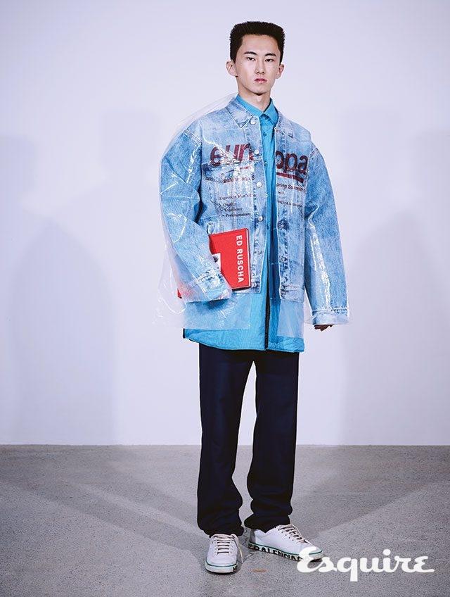 데님 재킷 가격 미정, 셔츠 150만원대, 바지 70만원대, 운동화 가격 미정 모두 발렌시아가.