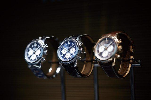 브라이틀링 부스는 매년 그렇듯 밝은색의 고급스러운 석재로 꾸몄다. 이탈리아 토스카니 지역에서만 나오는 '피에트라 도라타'다. 브랜드 로고 등 주요 요소를 바꾸고 바젤월드에 참가한 첫해라 방문객들의 관심도 여느 때보다 높았다. 새로 나온 내비타이머 8 라인업의 주요 시계를 볼 수 있었다.