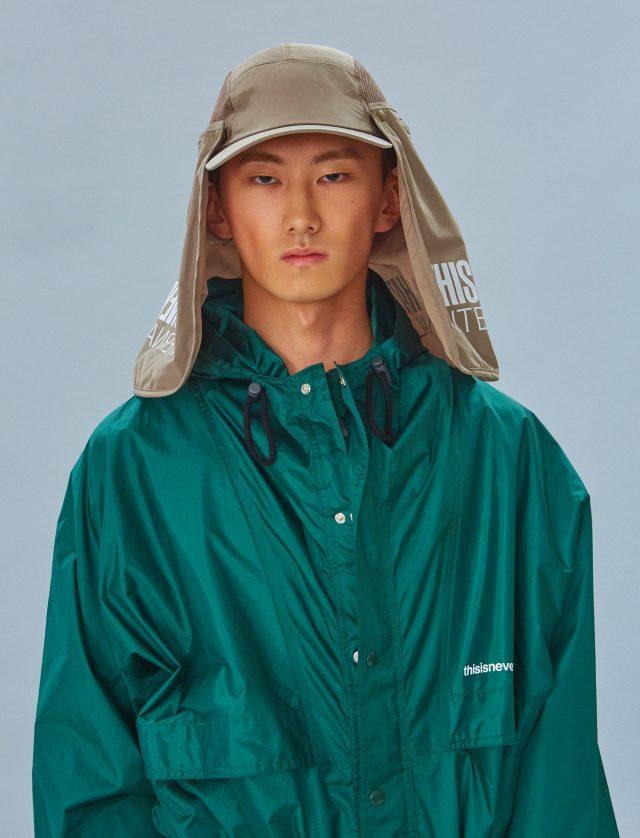 캠퍼 재킷 16만9000원, 하이킹 모자 5만9000원 모두 디스이즈네버댓.