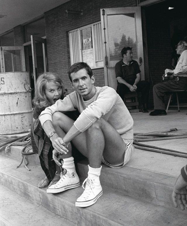 제인 폰다 & 앤서니 퍼킨스, 1960년, '톨 스토리' 세트장