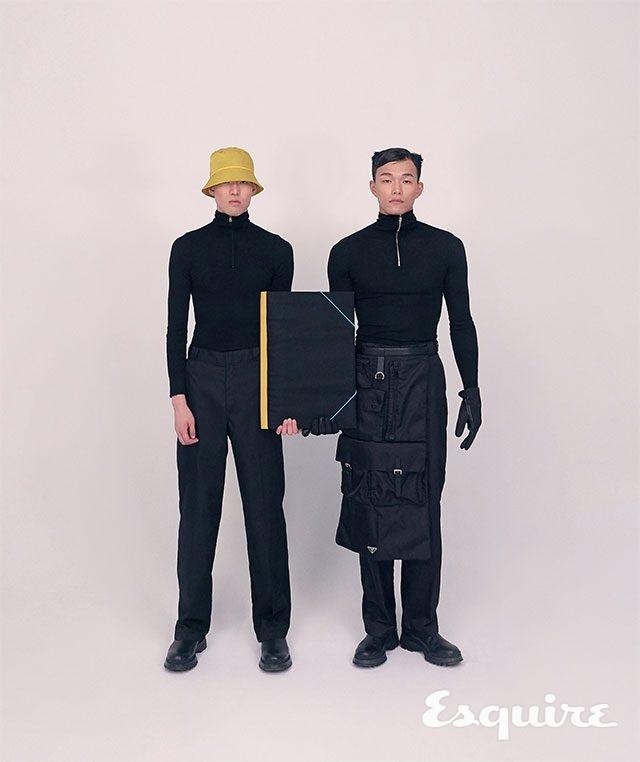 (왼쪽부터) 김찬일이 착용한 터틀넥 톱, 바지, 부츠, 버킷 해트, 손에 든 폴더 모두 가격 미정 프라다. 변준서가 착용한 터틀넥 톱, 바지, 부츠, 장갑, 앞치마 모두 가격 미정 프라다.