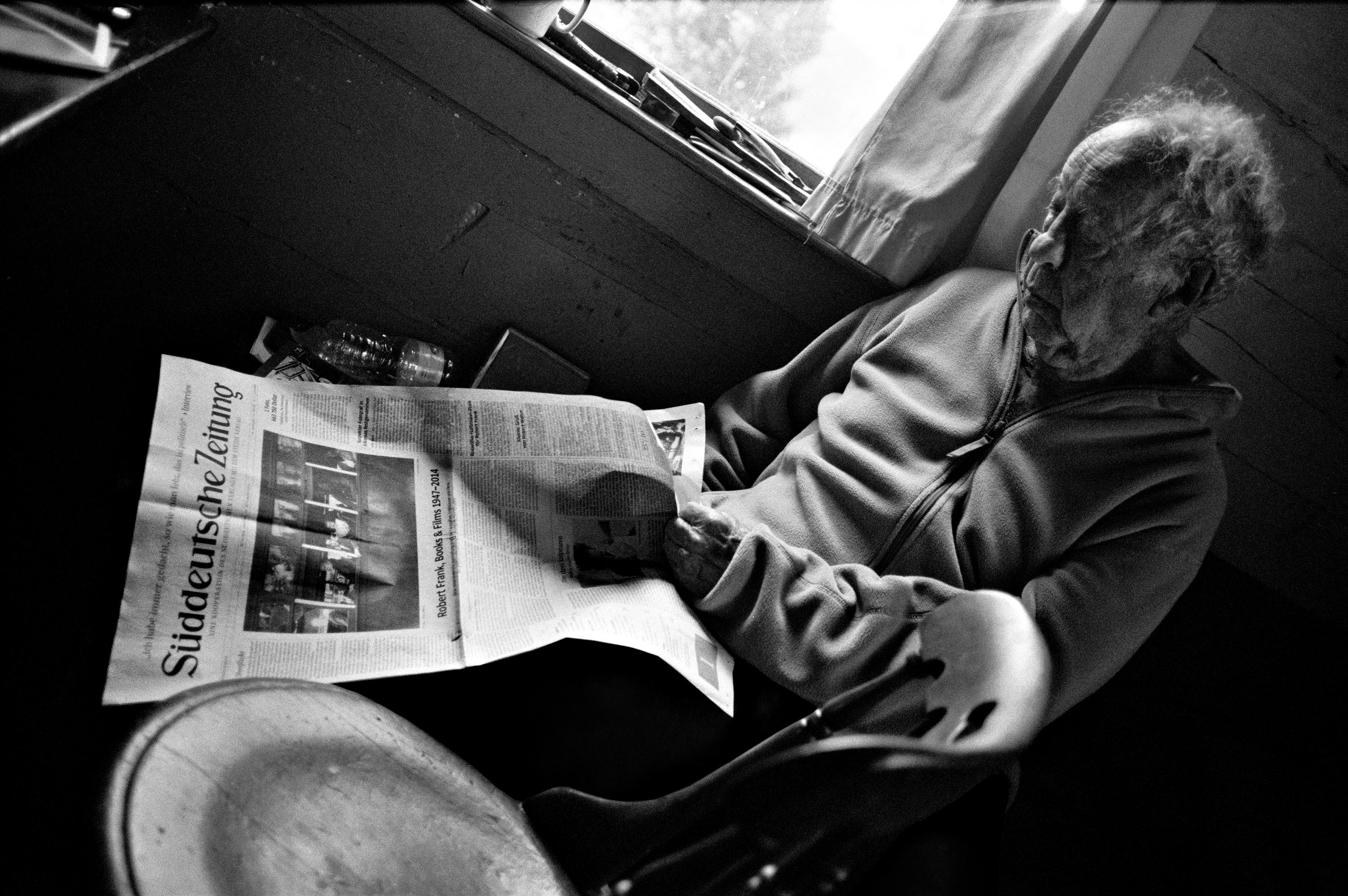 My whole life is in this newspaper.« Robert Frank about the newspaper catalogue Robert Frank: Books and Films © Gerhard Steidl