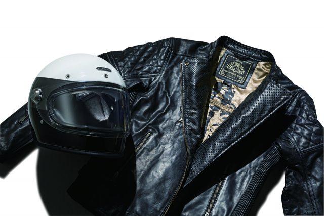 헤돈 히로인 레이서, 헬멧 126만원, 롤랜드샌즈, 크래시 블랙 재킷 82만원, 모두 라이드앤롤(ridenroll.co.kr).