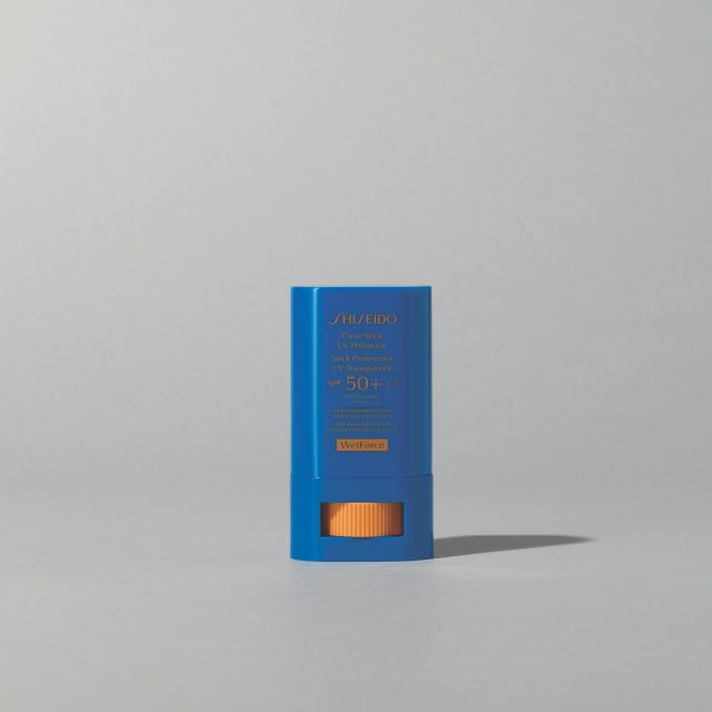 클리어스틱 UV 프로텍터 SPF 50+/PA++++ 15g/2만9000원 시세이도.골퍼들에게 인기 많은 자외선 차단제로 피부에 적당한 윤기를 부여한다.