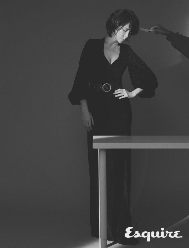 빈티지 가운 드레스 에스까다. 구두 크리스찬 루부탱.