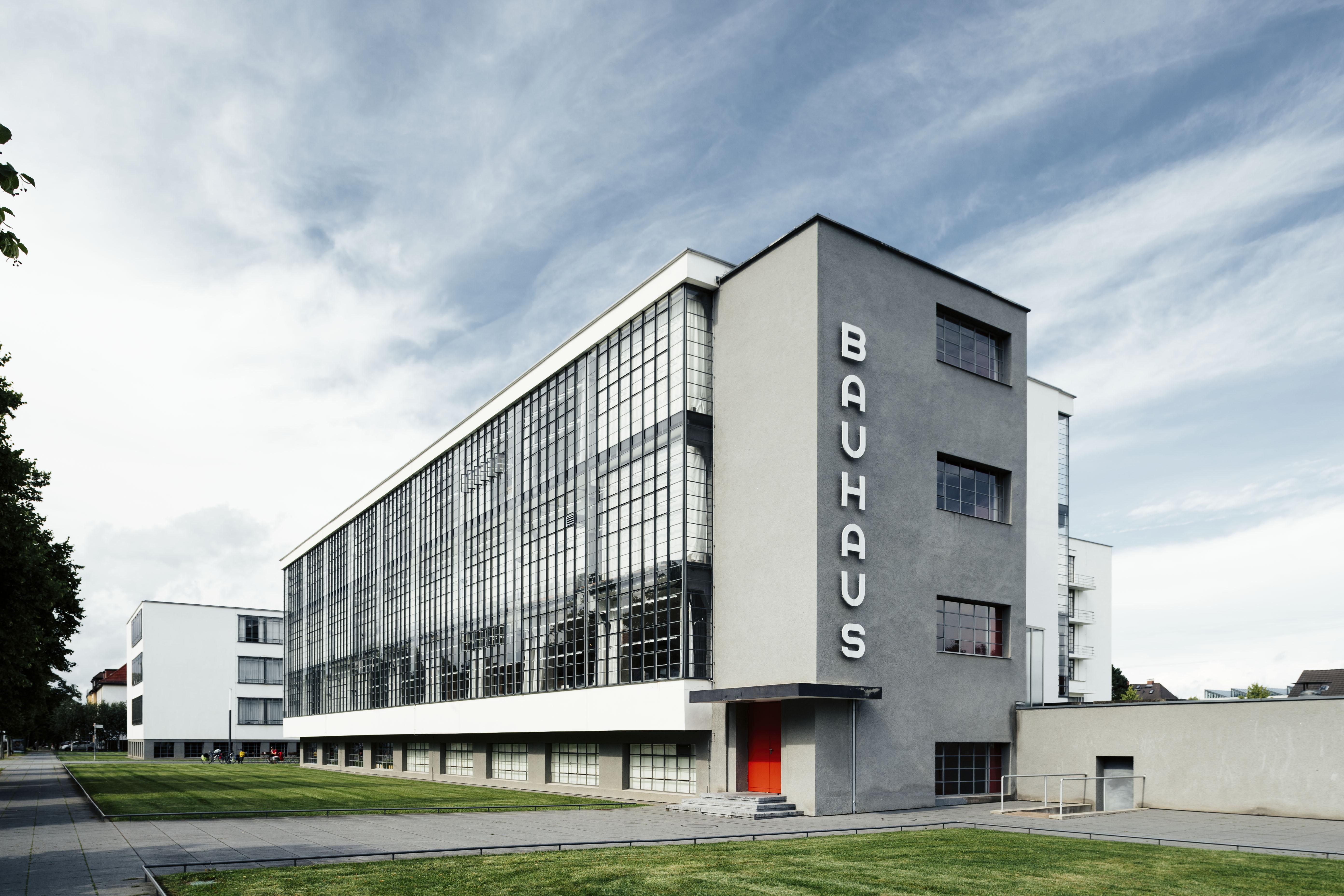 Dessau-Roßlau Bauhausgebäude / Bauhaus building (1925–26), Architekt / architect: Walter Gropius Photo: © Tillmann Franzen, tillmannfranzen.com © VG Bild-Kunst, Bonn 2018
