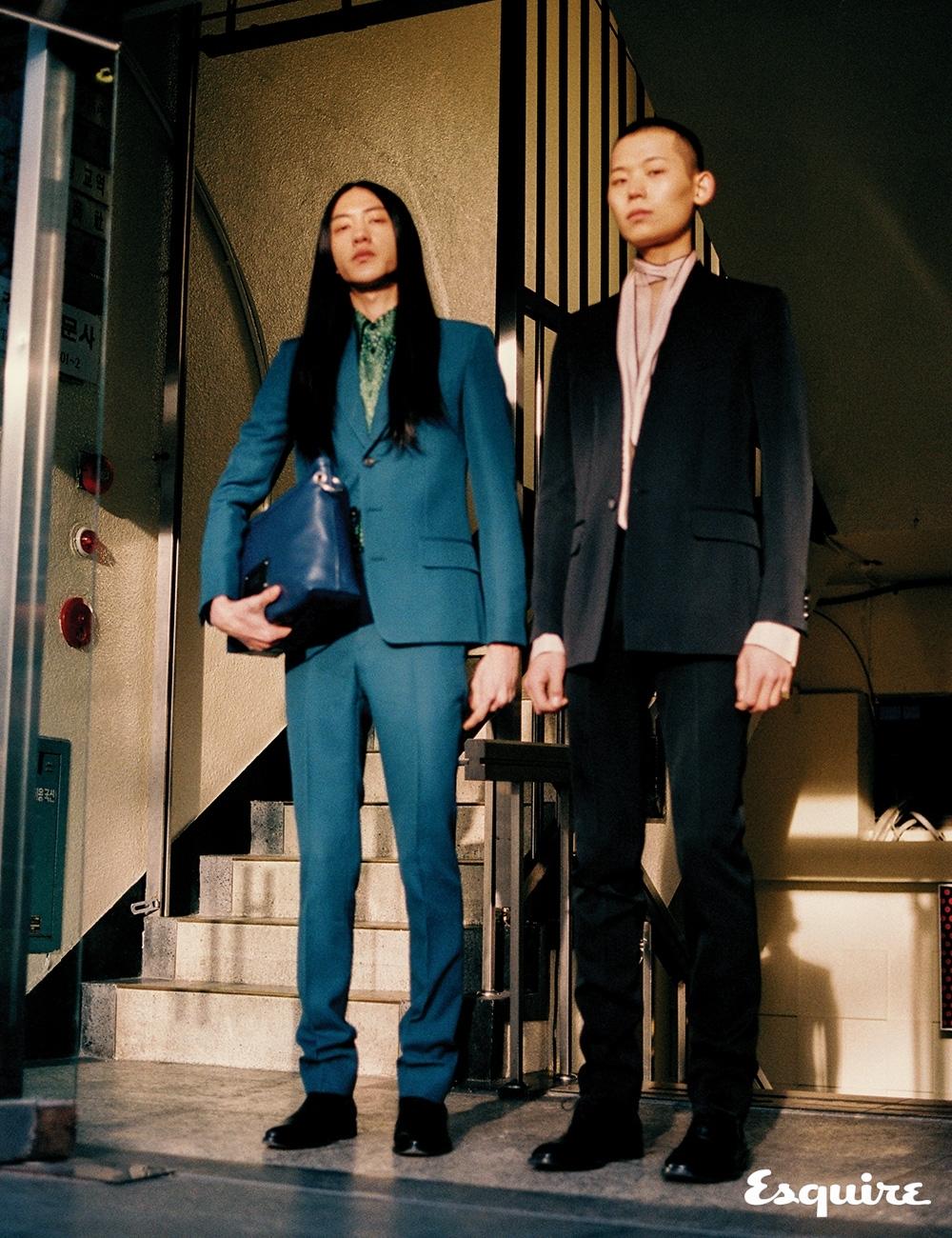 태희가 입은 재킷, 셔츠, 바지, 부츠, 가방 모두 가격 미정 지방시. 민석이 입은 재킷, 셔츠, 바지, 부츠 모두 가격 미정 지방시.