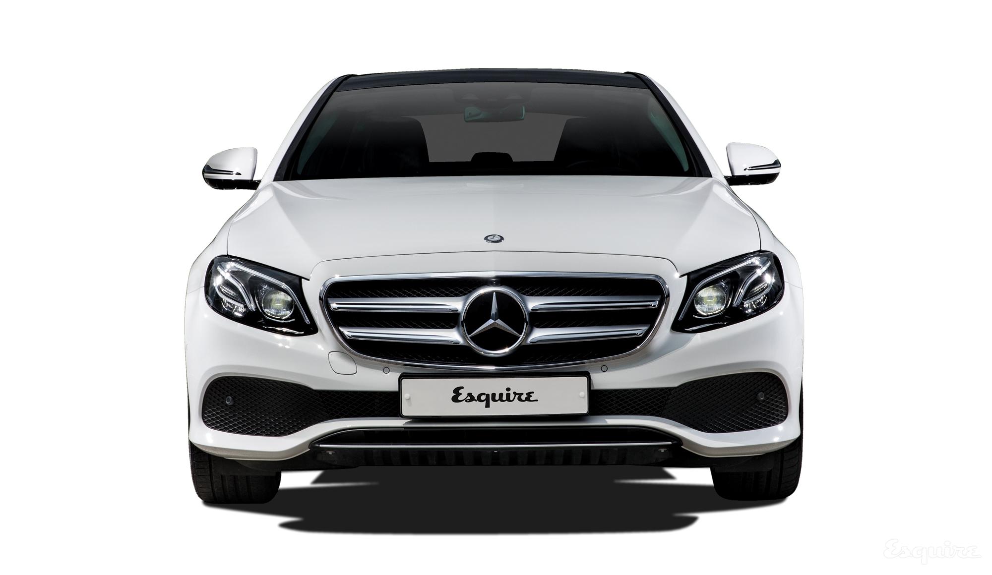 자동차업계가 지켜온 프리미엄 자동차의 가치가 흔들리고 있다. 새로운 E 클래스가 가장 지능적인 세단이라는 타이틀에 초점을 맞춘 이유다.