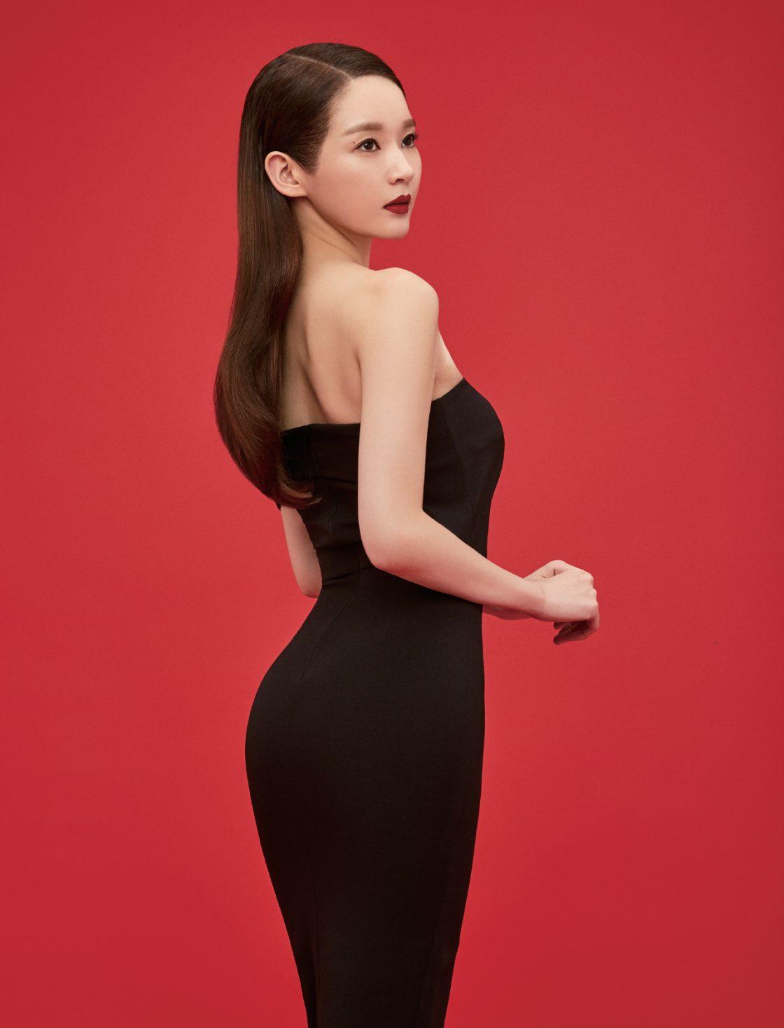 검은색 드레스스타일리스트 소장품.