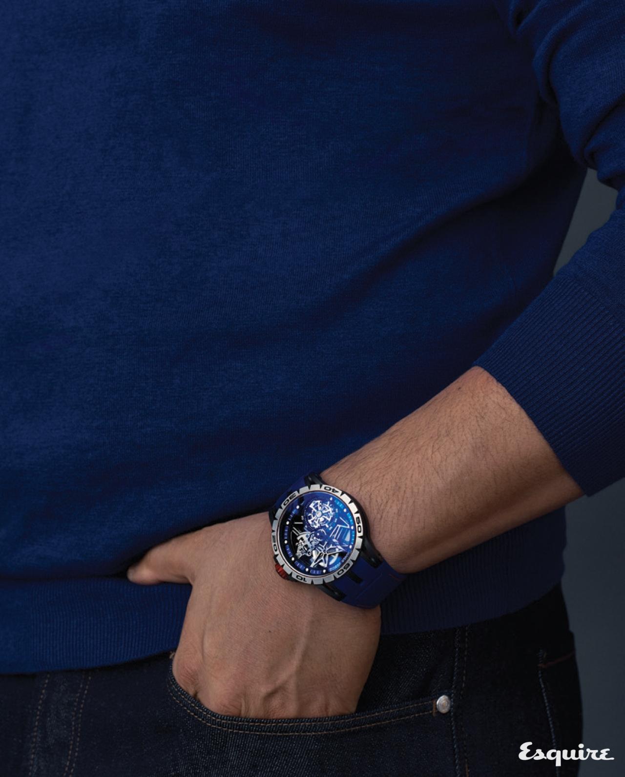 티타늄 케이스에 추신수의 색을 입힌 시계 로저드뷔 엑스칼리버 스파이더 스켈레톤 플라잉 투르비용 추신수 에디션.