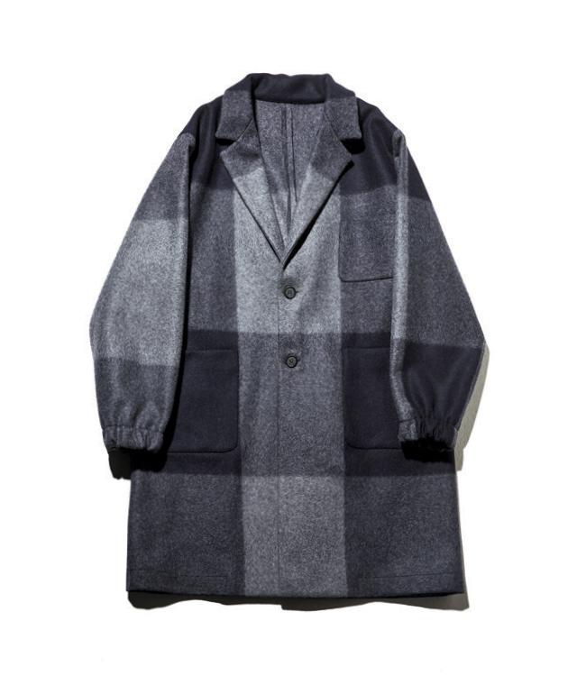 체크무늬 코트 145만원 치니 by 비이커.