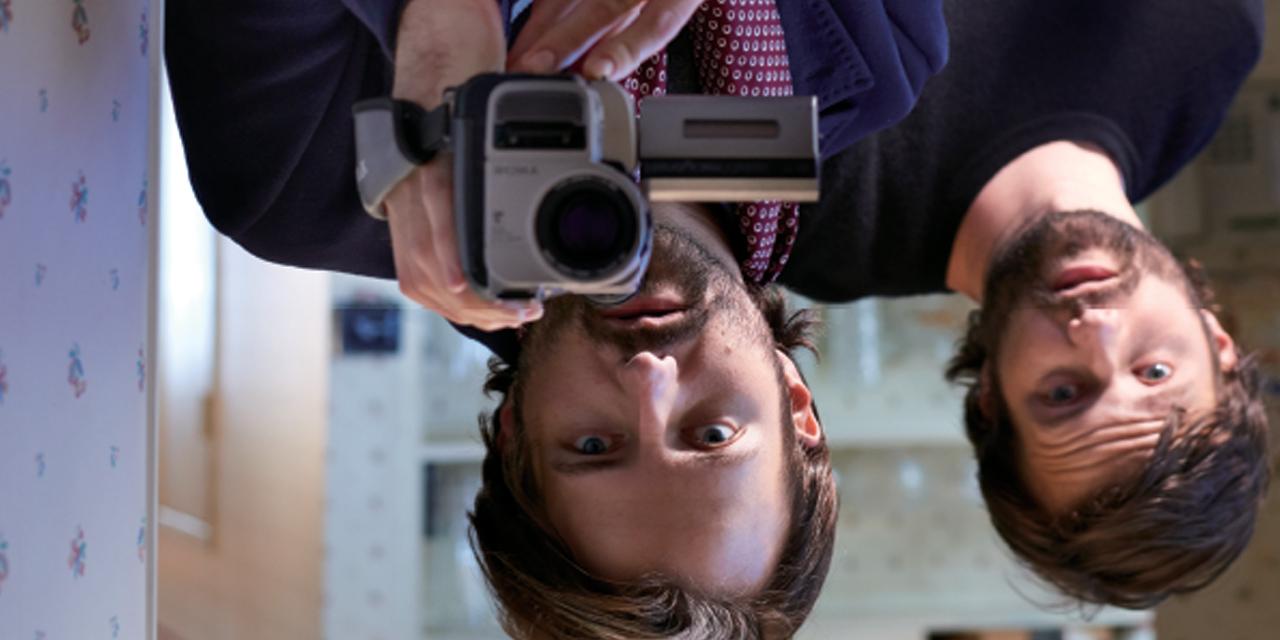 넷플릭스의 화제작 '기묘한 이야기'를 만든 쌍둥이 형제 감독을 만났다.