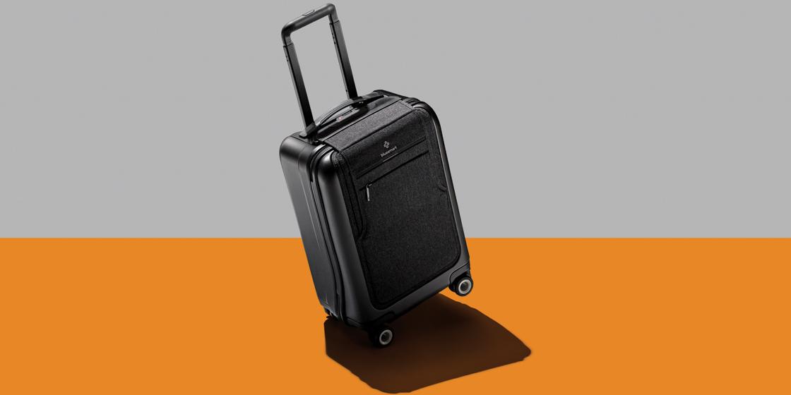 여행 가방이 똑똑해진 데에는 이유가 있다.