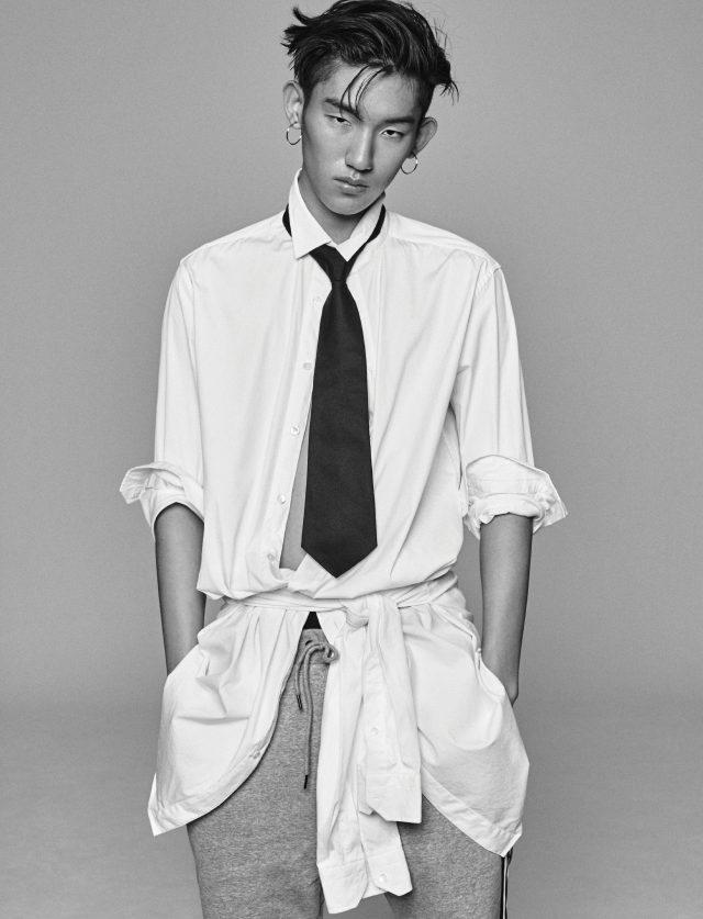오버사이즈 셔츠 가격 미정 포츠 1961. 스웨트팬츠 10만9000원 엄브로. 검은색 타이 가격 미정 구찌.
