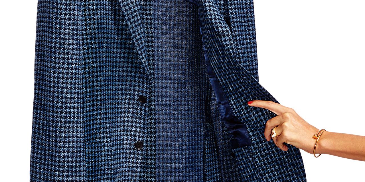 도통 걸치고 있지 않은 것처럼 가볍고 완벽하게 근사한 재킷.