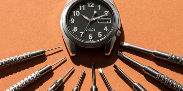 시계도 어쩔 수 없이 고장나기 마련이다.