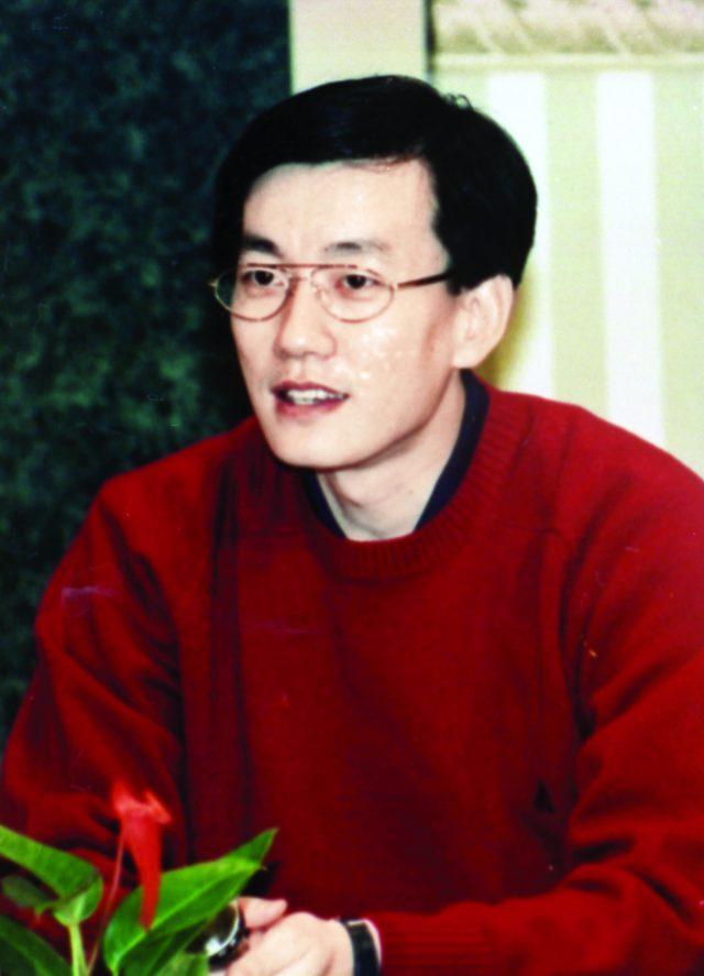 1994년 10월, MBC 아나운서 시절 풋풋한 30대 초반의 손석희.