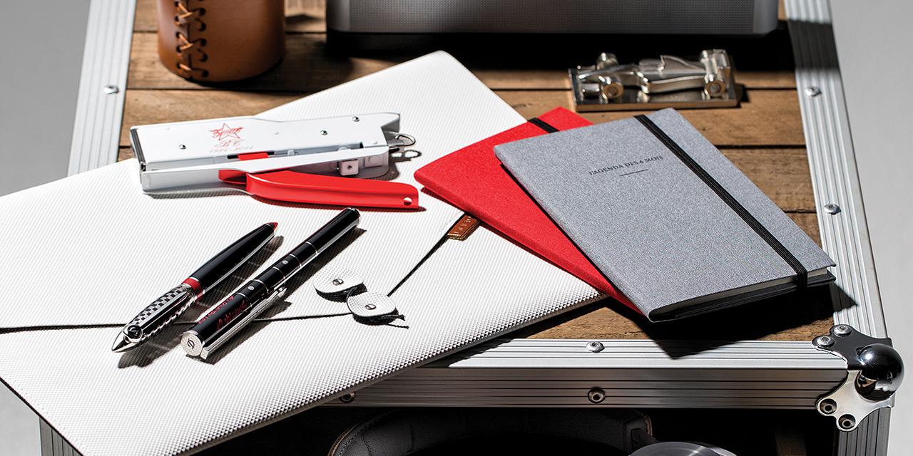 당신의 값비싼 생각을 기록하기 위해 필요한 품격 있는 도구들.