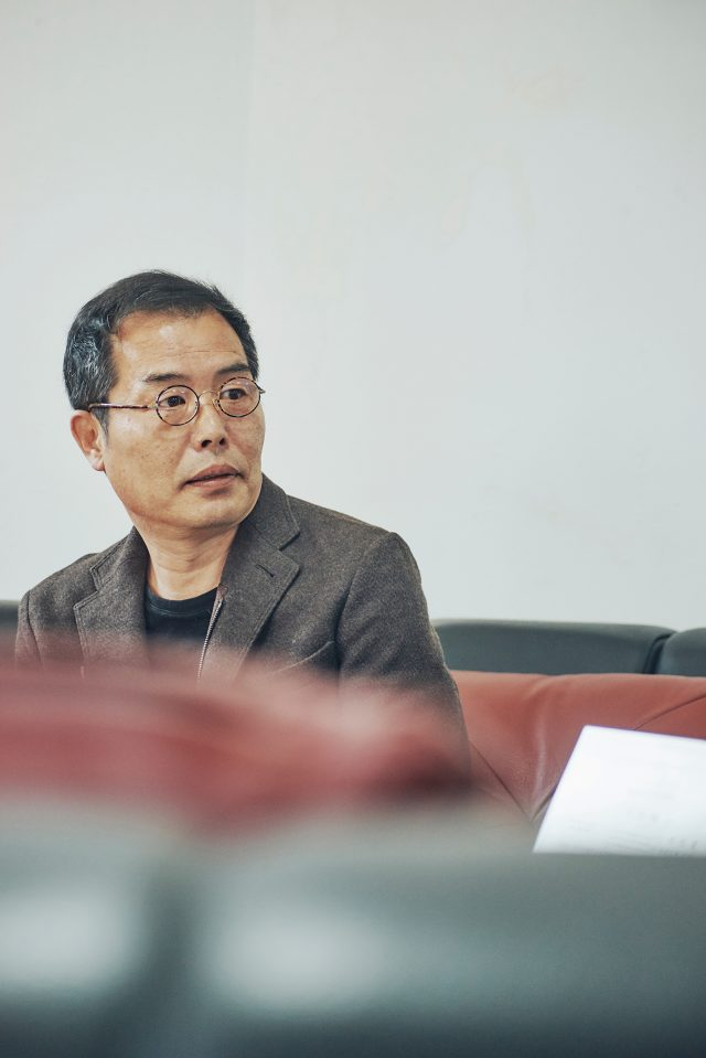 김중업의 건물에서 미와 의미를 본 정인훈 아리움 대표