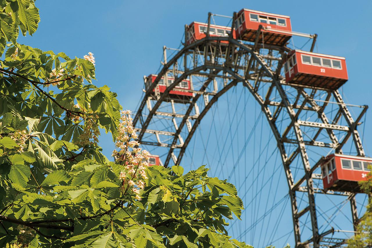세계에서 가장 오래된 놀이공원 프라터의 관람차 자이언트 페리스 휠.
