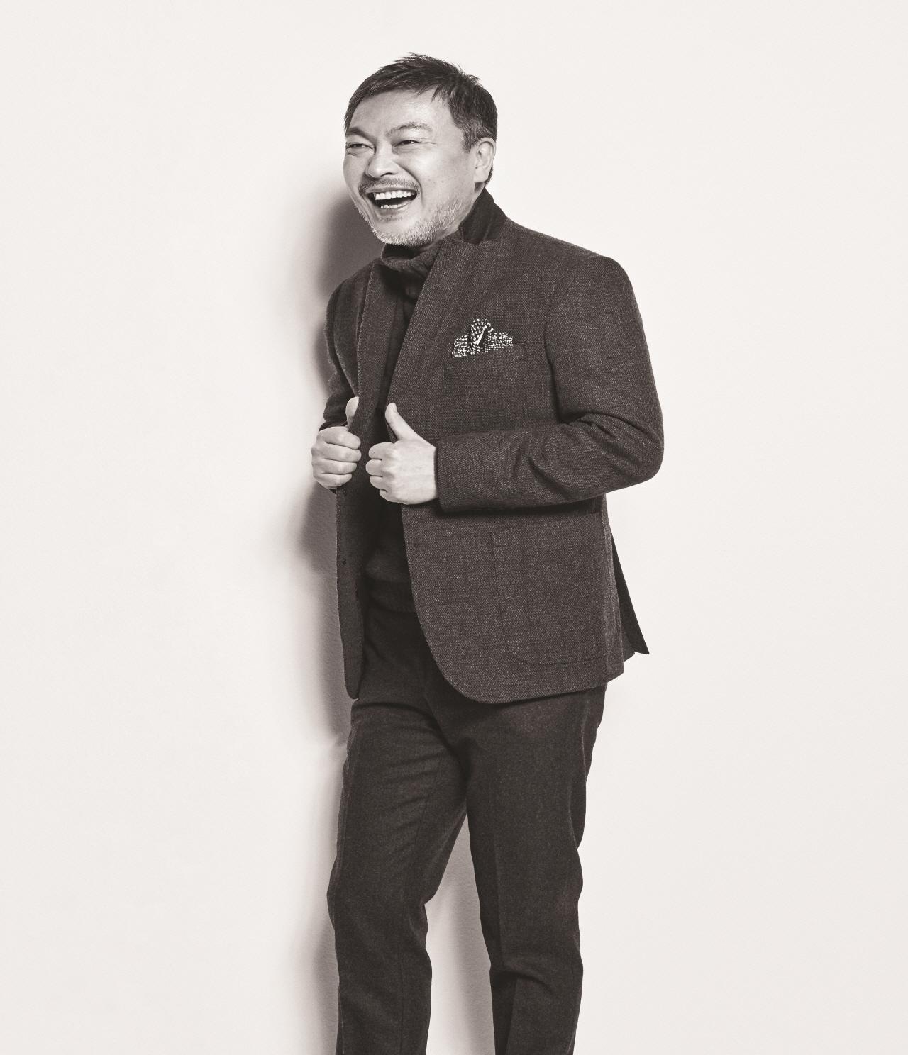 1990년대 촉망받던 청춘 배우 김의성이 어느 날 홀연히 자취를 감췄다. 세월이 흘러, 충무로의 대박 영화마다 악역 전문 으로 명성을 드높인 배우가 있었으니, 바로 중년의 김의성. 그가 다시 돌아왔다.