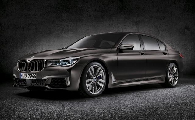 BMW 7시리즈 최초의 M 퍼포먼스, M760Li x드라이브가 등장했다.