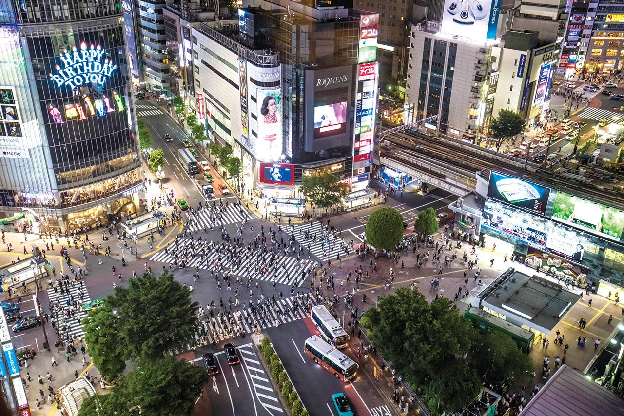 지금 일본 부동산 시장이 꿈틀거리고 있다. 그 변화를 잘 살펴보면 한국 부동산 시장을 예측할 수 있다.