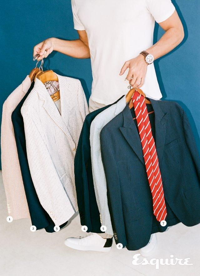 티셔츠 125달러, 바지 285달러 모두 보스. 운동화 350달러 투 부트 뉴욕. 시계 7965달러 브라이틀링.