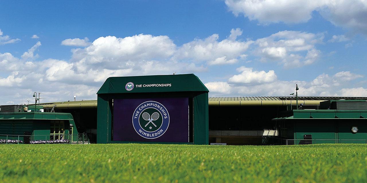 잔디 위에서만 느낄 수 있는 상쾌한 탄력과 고급스러운 성취감. 테니스에 대하여.